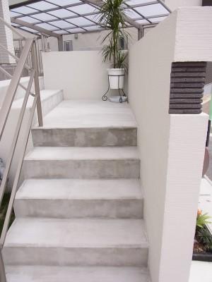 白を基調としたモダンな外構 名古屋市3