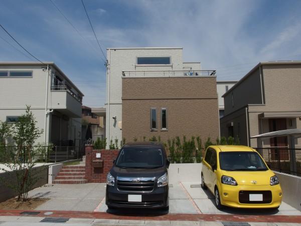 ナチュラルな雰囲気の玄関アプローチ 名古屋市1
