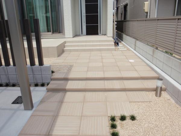 洗練されたシンプルモダンな門周り 名古屋市4