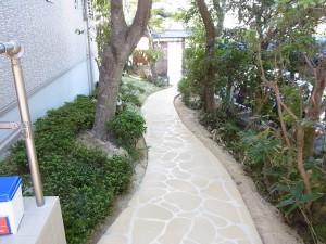 伝統的な和風テイストの門構え 名古屋市3