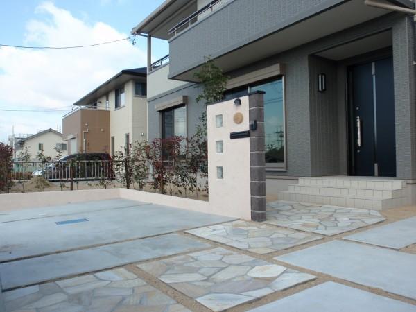シンプルな門周り  愛知県知多郡1